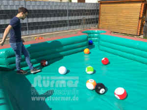 fussball_billard.jpg (117529 Byte)